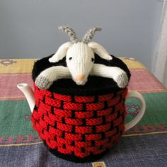 goat in well A craft blog about tea cosies, knitting, crochet, stitching, vintage collecting, free tea cosy & toy patterns. Brisbane Australia, teapot, cozy, tea cosy, cosy, knitting,