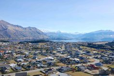 lake wanaka new zealand town tourism everything you need to know about travel whats on things do and where stay in