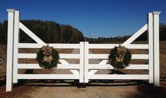 Farm gate, driveway entry gate