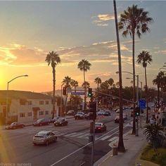 "Los Angeles Traveler on Instagram: ""Summer Vibes - @losangeles_traveler . . . . . . . Summer Vibes - @losangeles_traveler . . . . . . . Summer Vibes - @losangeles_traveler . .…"" Pacific Coast Highway, Summer Vibes, Venice, Street View, California, Celestial, Sunset, Instagram Posts, Outdoor"