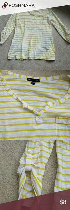 Stripe Gap Top Good condition, cute white and yellow color GAP Tops