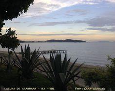 A Laguna de Araruama situa-se na chamada Região dos Lagos,no estado do Rio de Janeiro. Em suas margens estão as localidades : Araruama, Iguaba Grande, São Pedro da Aldeia, Cabo Frio e Arraial do Cabo. Sua comunicação com o mar é feita pelo Canal do Itajuru que atravessa a cidade de Cabo Frio. Foto : Cida Werneck