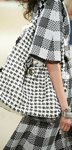 Chanel Resort 2015 | LBV ♥✤