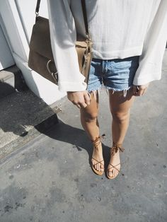 Chloé faye bag All Saints sandals & Levis 501 shorts. Via Mija