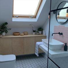 Attic Conversion Ensuite, Loft Conversion Bedroom, Loft Conversion Storage Ideas, Dormer Loft Conversion, Attic Shower, Small Attic Bathroom, Upstairs Bathrooms, Loft Ensuite, Loft Bathroom