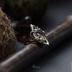Кольца ручной работы. Кольцо из меди и серебра с горным хрусталем. Artarina. Ярмарка Мастеров. Кольцо ручной работы, кольцо с камнем