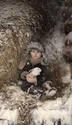 Elena Shumilova is a photographer living in a beautiful Russian village and she has two little kids. Naturally living in such area with cute kids she decided to make some photos of her kids together with the village animals. Amazing Photography, Art Photography, Village Photography, Lifestyle Photography, Foto Portrait, Winter Love, Beach Wallpaper, Winter's Tale, Handsome Anime Guys