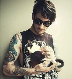 cute boys with cats | Tumblr
