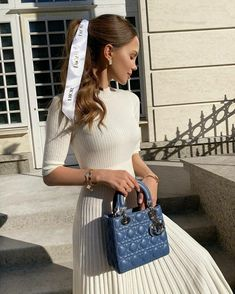 Italian Women Style, Modesty Fashion, Fashion Sketchbook, People Dress, Lady Dior, Girly Outfits, Cute Fashion, Girl Fashion, Autumn Winter Fashion
