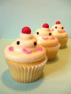 happy little vanilla cupcakes =0)   Su Kaçağı  http://www.maviaytesisat.net Su Tesisatçısı http://sukacagim.net Koku Tespiti http://timtesisat.com Tıkanıklık Açma http://www.maviaytesisat.com.tr