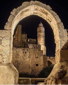 A quiet day in Jerusalem. Old City Jerusalem, Jerusalem Israel, Beautiful Places, Beautiful Pictures, Visit Israel, Israel Travel, Israel Trip, Israel Palestine, Promised Land