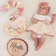 30 Ideas for photography baby girl newborn cute ideas Baby Kind, My Baby Girl, Baby Girls, Baby Girl Dresses Fancy, Baby Girl Themes, Monthly Baby Photos, 3 Month Old Baby Pictures, 3 Month Photos, Milestone Pictures