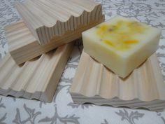 dřevěná podložka pod mýdlo - mýdlenka