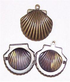 Small Antique Bronze Sea Shell Locket 644x