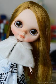 Hi and welcome! My custom girl is for adoption. Her base is the original Takara Country Summer Neo Blythe doll (RBL+), which was purchased slightly used. Work done: * nose, philtrum and mouth carved; * face sanded, new make-up applied with quality soft pastels and sealed with MSC Flat