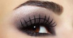 Quels fards à paupières pour les yeux marrons : http://www.fourchette-et-bikini.fr/beaute/quels-fards-paupieres-pour-les-yeux-marrons-39537.html
