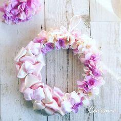 グラデーションがきれいなあじさいとリボンのリース作りました🌼.#minneで販売中 です.#あじさい#リボン#リース#あじさいリース#リボンリース#アーティフィシャルフラワー#造花#magiq#flower#flowers#flowerstaglam#flowerarrangement#artificialflower#wreath#ribbon#フラワーアレンジ#フラワーアレンジメント#花のある暮らし#ハンドメイド#minne#ミンネ#ミンネで販売中#Creema#kaumo