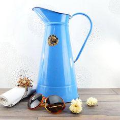 Ancien Broc français émail Bleu Japy - Vintage French Blue Enamel Japy Pitcher - Shabby Chic - Blue Garden par ChezUlysseVintage sur Etsy https://www.etsy.com/fr/listing/295221887/ancien-broc-francais-email-bleu-japy