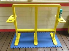 DIY plexiglass easel-outside