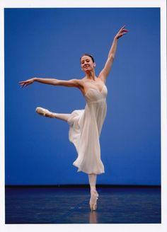 """Résultat de recherche d'images pour """"danse contemporaine noir et blanc"""""""