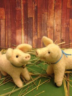 Percy and Polly, needle felted pigs,miniature,collectible,gift idea by weewooleybeasties on Etsy