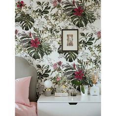 When you take your work home with you! Summer Tropical Bloom in my bedroom 🌺🌿😉 📸 Plant Wallpaper, Wallpaper Size, Paper Wallpaper, Tropical Wallpaper, Bloom, Black And White Background, World Of Color, Drop, Tropical Plants