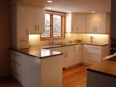 Laminate cabinets and granite counter tops