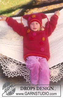 Jumper and hat with crochet flowers