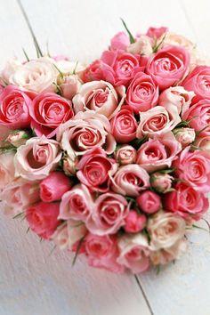 Valentijn. Valentine heart of roses