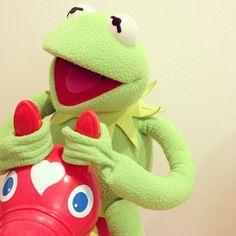 Instagram media pump609 - ☆ 「遊んで暮らせる世界まで お願いしまーす。」 ☆ #RODY #ロディ #Kermit #カーミット 【もしも こんなタクシーがあったら】
