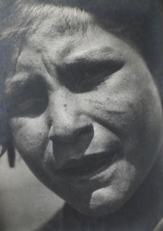 Imre Kinszki           Gypsy Girl, Hungary     1930