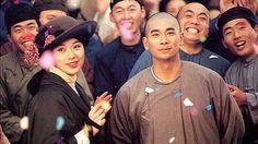 Once Upon a Time in China IV  หวงเฟยหง 4 บรมคนพิทักษ์ชาติ  เรื่องราวต่อเนื่องจากตอนจบภาคก่อน เมื่อหวงเฟยหง (เจ้า เหวินจั๋ว) ชนะศึกเชิดสิงโตแต่ไม่ยอมรับป้ายทองเพื่อเป็นการเตือนสติทางการว่ายามที่บ้านเมืองกำลังปั่นป่วนนี้สมควรกระทำสิ่งอื่นมากกว่าการจัดงานแข่งเชิดสิงโต