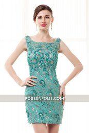 Magnifique robe de cocktail haute couture en dentelle turquoise décolleté V au…