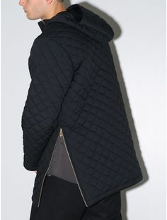 Quilted pullover jacket black.