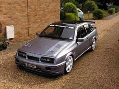 Ford Sierra RS Cosworth , this is one of the best I've seen Ford Sierra, Ford Rs, Car Ford, Us Cars, Race Cars, Retro Cars, Vintage Cars, Bmw E36, E36 Coupe
