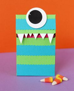 Monster Treat Box for Halloween www2.fiskars.com