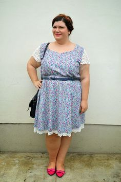 #outfit #plussize More on http://www.pluskawaii.com/2014/07/outfit-plus-size-vestito-con-fantasia.html #kiabi