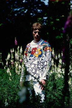 Robinet d'Amour/Labours of Love Collection Spring/Summer 1994 Walter Van Beirendonck, Contemporary Fashion, Christmas Sweaters, Knitwear, Latest Trends, Spring Summer, Vintage, Collection, Winter Time
