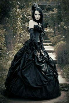 21 Gothic Wedding Dresses: Challenging Traditions | Gothic wedding ...