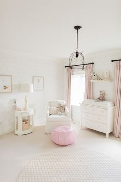 White and blush nursery: http://www.stylemepretty.com/living/2017/01/27/inspiration-for-the-chicest-of-toddler-rooms/ Photography: Elza Photographie - http://www.elzaphotographie.com/