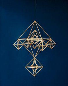 ヒンメリ Handmade Ornaments, Suncatchers, Folk Art, Origami, Chandelier, Ceiling Lights, Crafts, Design, Home Decor
