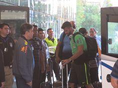 Seleção desembarca no Paraguai e divide hotel com o presidente da Fifa #globoesporte