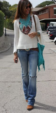 40 Unique Winter Boho Outfit Styling Ideas to Flaunt Bohemian Fashion