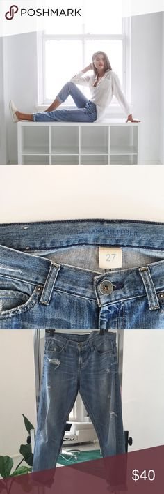 Banana Republic Girlfriend Jeans Banana Republic Boyfriend Jean. These casual classics are great with any button down or casual tee, or dress them up with a pair of mules for a night out! Hope you love them as much as I do! -XO Banana Republic Jeans Boyfriend