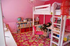 Una habitación de niñas pintada de rosa y rojo, una combinación perfecta!!