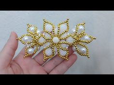 YouTube Beaded Flowers Patterns, Beading Patterns, Beaded Rings, Beaded Jewelry, Baby Hair Bands, Seed Bead Flowers, Diy Hair Bows, Seed Bead Bracelets, Bracelet Tutorial