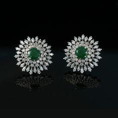 Stud Earrings for Girls Real Diamond Earrings, Unique Diamond Rings, Stud Earrings, Diamond Jewelry, Diamond Tops, Diamond Pendant, Marriage Jewellery, Gold Earrings Designs, Gold Designs