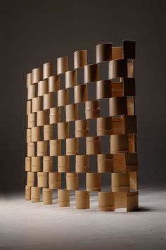 The Bamboo Partition: Wohnzimmer von Space Magicmon Inc. The Bamboo Partition: Wohnzimmer von Space Partition Screen, Partition Design, Brick Wall Decor, Bamboo House Design, Pvc Pipe Crafts, Timber Architecture, Bamboo Art, Bamboo Planter, Bamboo Canes