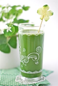 Green leprechaun drink
