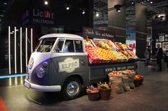 fruit&veggies on wheels, pinned by Ton van der Veer Some how make a flip up display for your pick-up truck. Locate where you want.  Transport and set-up is so easy! popuprepublic.com